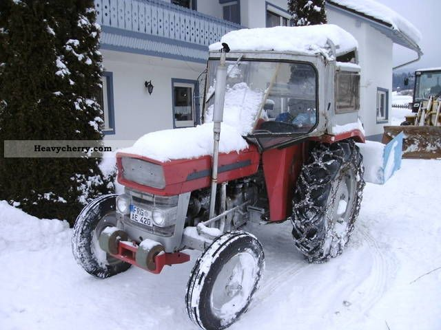 2011 Agco / Massey Ferguson  135 Agricultural vehicle Tractor photo