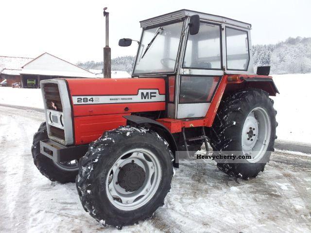 1982 Agco / Massey Ferguson  MF 284 - S Agricultural vehicle Tractor photo