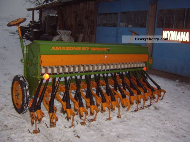 2011 Amazone  D7 special type 30 Agricultural vehicle Seeder photo