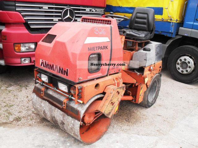1992 Ammann  DVK 153 Combination roller steel / rubber Construction machine Rollers photo