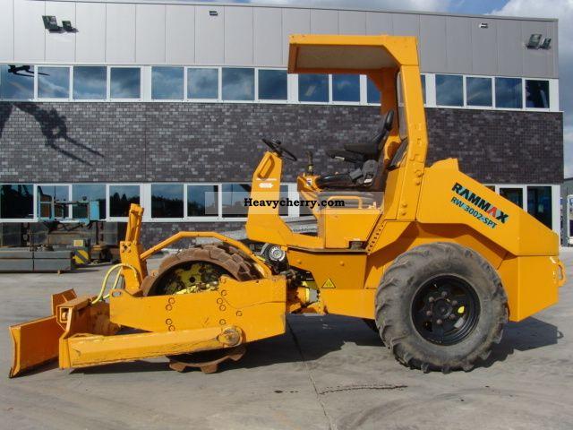 2003 Ammann  Rammax RW3002-SPT Construction machine Compaction technology photo
