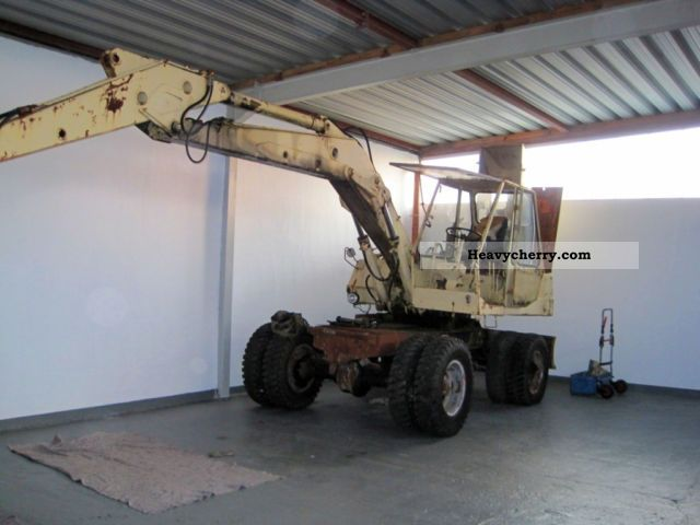 1970 Atlas  1302 Construction machine Mobile digger photo