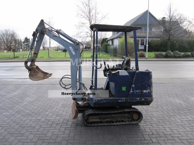 1993 Atlas  Weight of 1.5 tons mini excavator Construction machine Mini/Kompact-digger photo