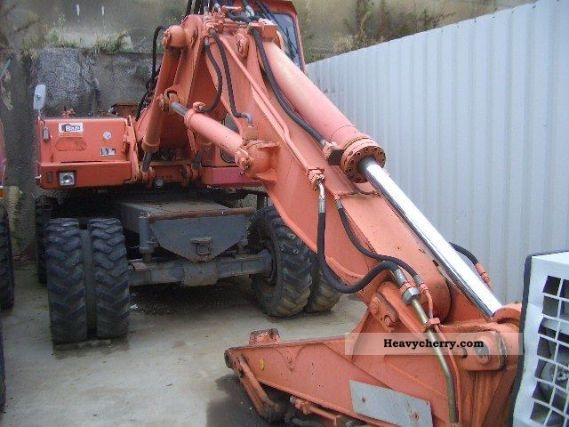 1990 Atlas  1404 M excavator Construction machine Mobile digger photo