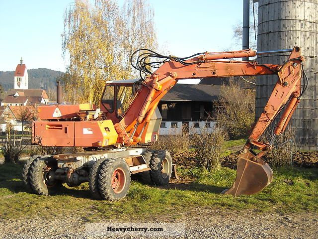 2011 Atlas  1302 Construction machine Mobile digger photo