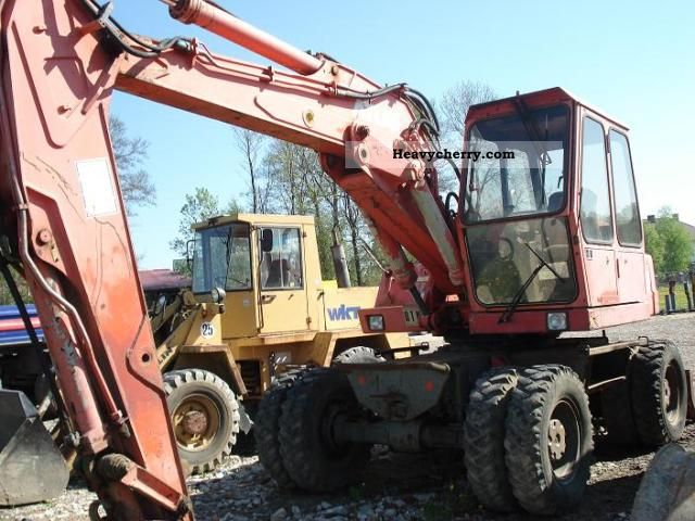 1989 Atlas  1304 Construction machine Mobile digger photo