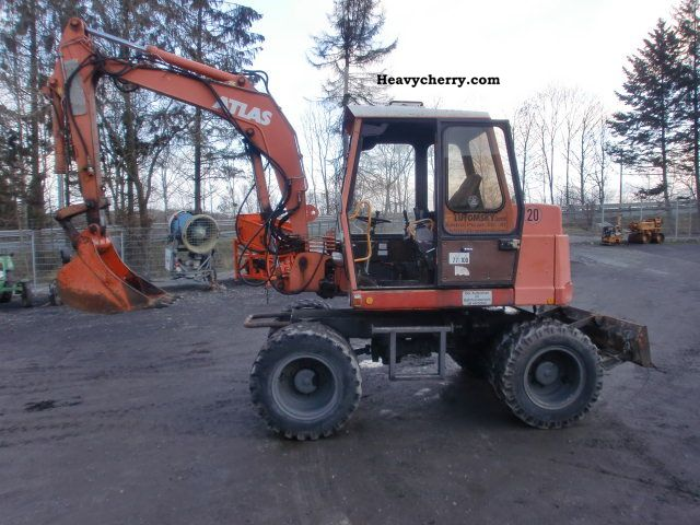 1994 Atlas  1004 Construction machine Mobile digger photo