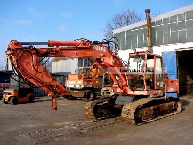 1984 Atlas  1622 DLC bucket grapple + Hammerhydr. Construction machine Caterpillar digger photo