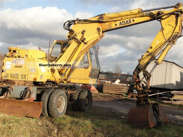 1989 Atlas  1602 1604 Two-way excavator track excavator Construction machine Mobile digger photo
