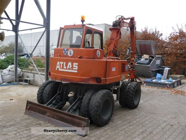 1992 Atlas  1004 Construction machine Mobile digger photo