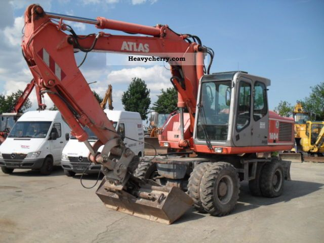 2002 Atlas  1604 M Construction machine Mobile digger photo