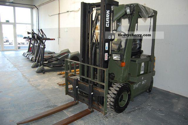 2002 Clark  CEM16 only 476 hours * * * Bundeswehr Forklift truck Front-mounted forklift truck photo