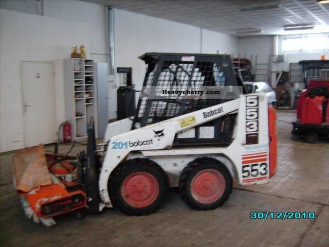 2004 Bobcat  553 / hydraulic broom Construction machine Mini/Kompact-digger photo