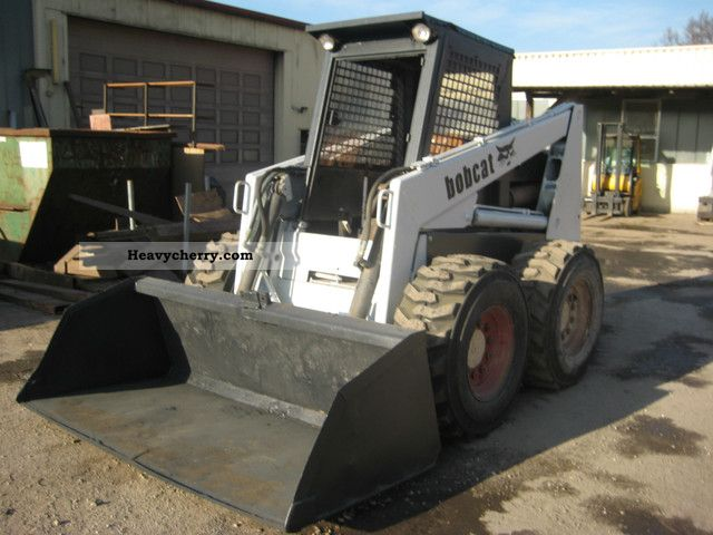 Bobcat 974 1990 Wheeled loader Construction Equipment Photo and Specs