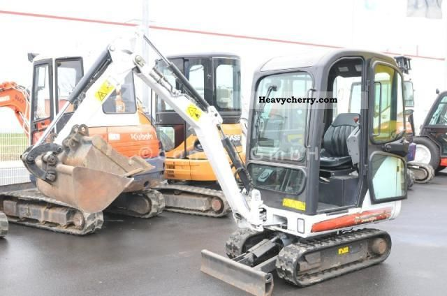 2008 Bobcat  323, 1.65 T, Verstellfahrwerk, BJ 2008, 1340 h. Construction machine Mini/Kompact-digger photo