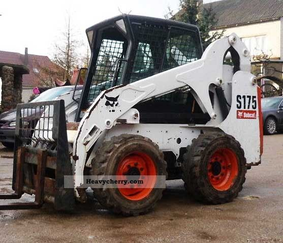 Bobcat  S175 2010 Wheeled loader photo