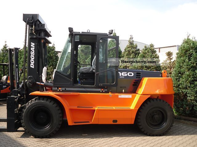 Daewoo DOOSAN D 160 S-5 2011 Front-mounted forklift truck Photo and