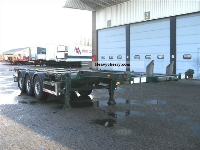 2003 Broshuis  CONTAINER CHASSIS 3-AS Semi-trailer Swap chassis photo