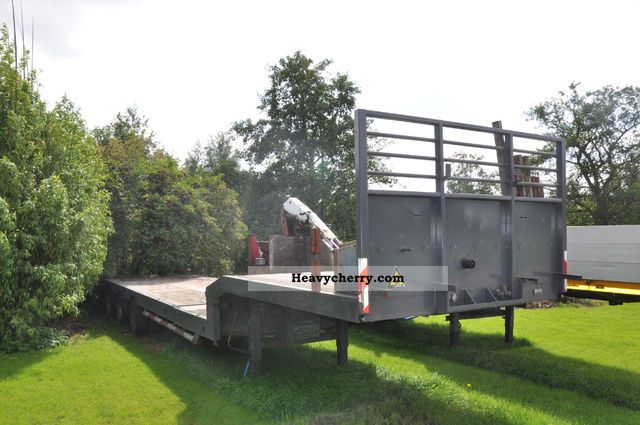 1985 Broshuis  LOWLOADER Semi-trailer Low loader photo