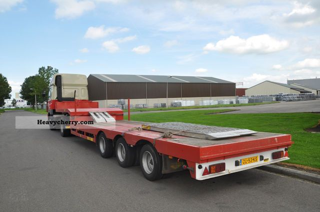 1995 Broshuis  lowloader Semi-trailer Low loader photo