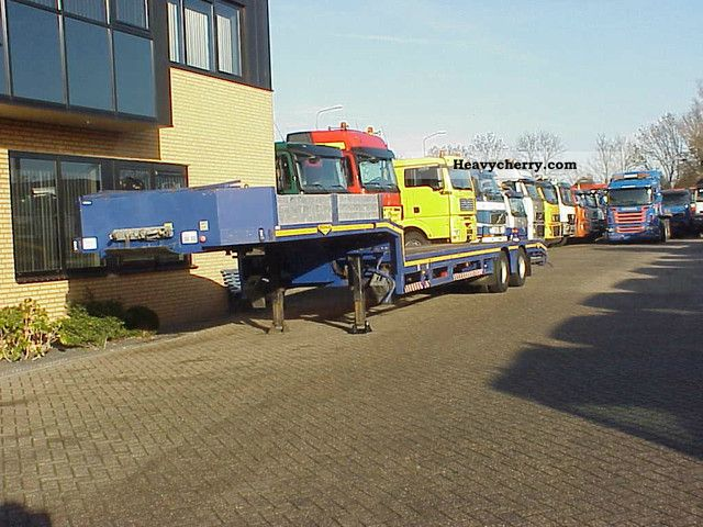 2003 Broshuis  2 AXLE SEMI, S 1X extendable Semi-trailer Low loader photo