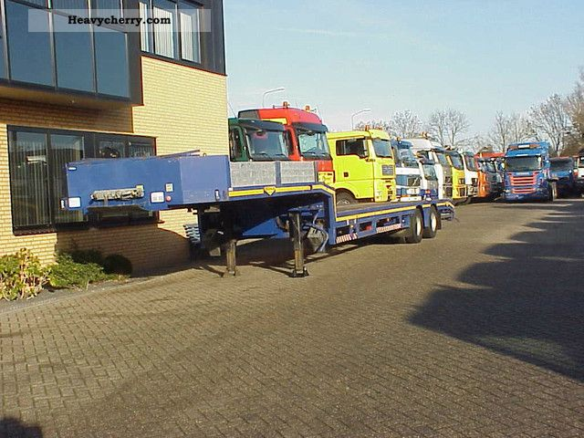 2003 Broshuis  2 AXLE SEMI, S 2X 2X extendable AVAILABLE Semi-trailer Low loader photo