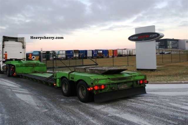 1998 Broshuis  Combine deep bed Semi-trailer Low loader photo