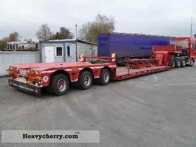 2007 Broshuis  3-axle low-bed, telescopic Semi-trailer Low loader photo