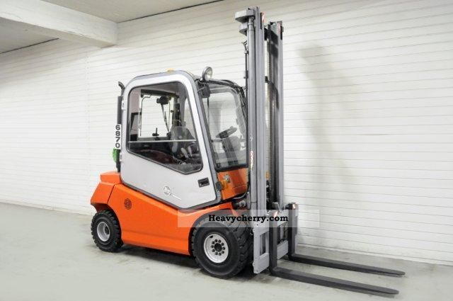 2002 BT  CBG 30, SS, CAB Forklift truck Front-mounted forklift truck photo