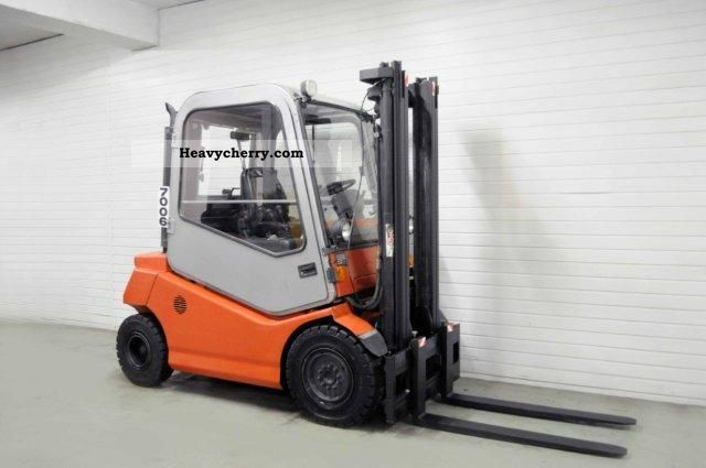 2003 BT  CBD 25, SS, CAB Forklift truck Front-mounted forklift truck photo