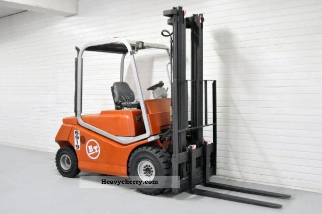 2004 BT  CBD 30, SS, 7534Bts! Forklift truck Front-mounted forklift truck photo