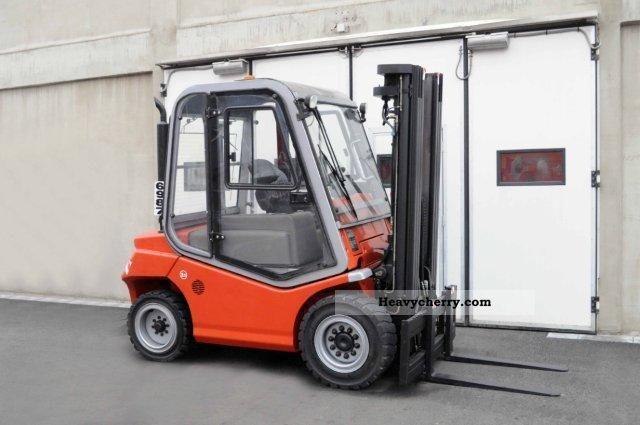 2003 BT  CBD 50, SS, TRIPLEX, CABIN ONLY 3294Bts! Forklift truck Front-mounted forklift truck photo
