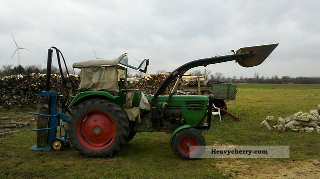 2011 Deutz-Fahr  D 6006 Agricultural vehicle Tractor photo