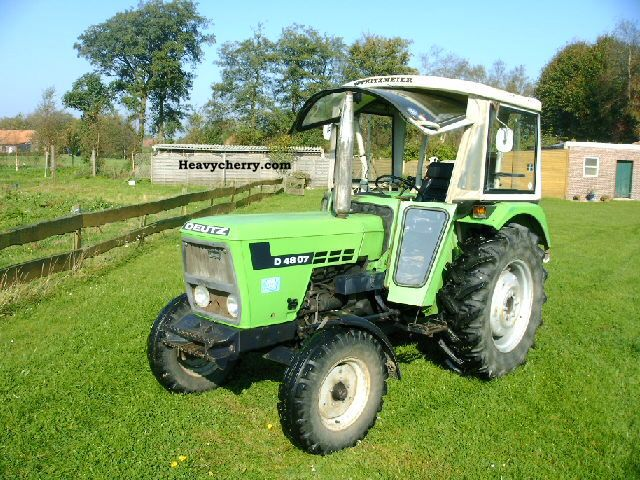 1980 Deutz-Fahr  4807 Agricultural vehicle Tractor photo