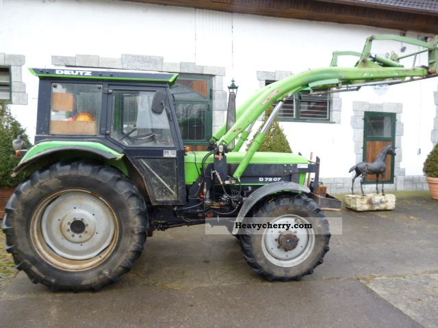 1981 Deutz-Fahr  7207C Agricultural vehicle Tractor photo