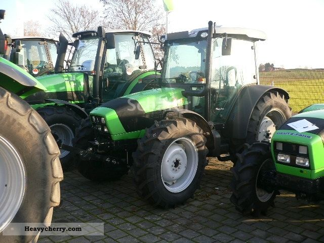 2011 Deutz-Fahr  Agrofarm 420 Professional Line Agricultural vehicle Tractor photo