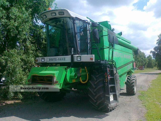 2004 Deutz-Fahr  5585HT Agricultural vehicle Combine harvester photo