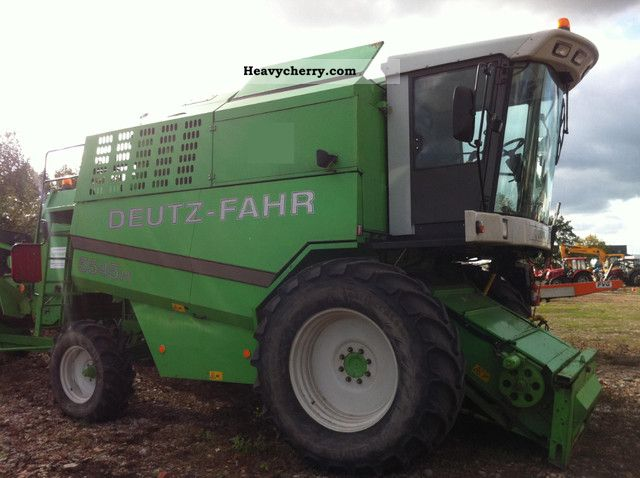 2005 Deutz-Fahr  5545 H combine Agricultural vehicle Combine harvester photo