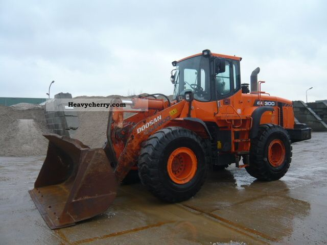 2006 Doosan  DL300 Construction machine Wheeled loader photo