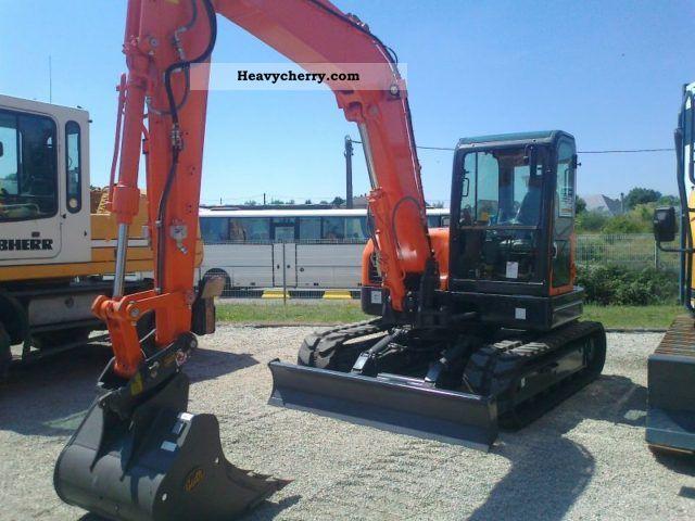 2011 Doosan  DX80R Construction machine Mini/Kompact-digger photo