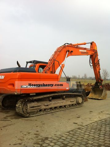2006 Doosan  DX 300 LC Construction machine Caterpillar digger photo