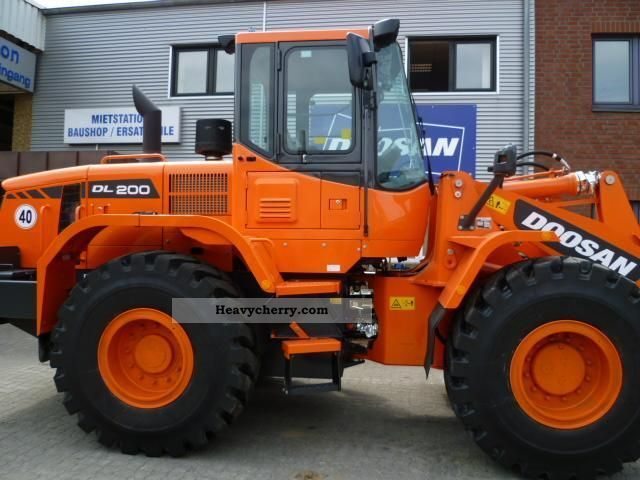 2011 Doosan  DL 200 Construction machine Wheeled loader photo