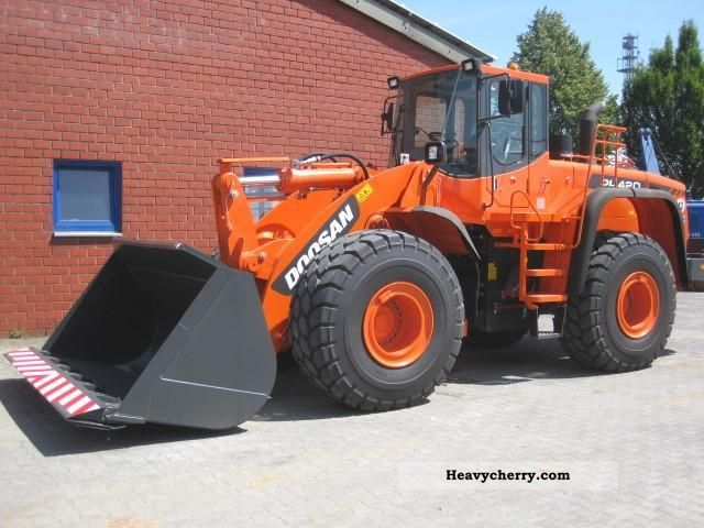 2011 Doosan  DL 420 new machines Construction machine Wheeled loader photo