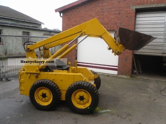 2011 Case  1529 Construction machine Wheeled loader photo
