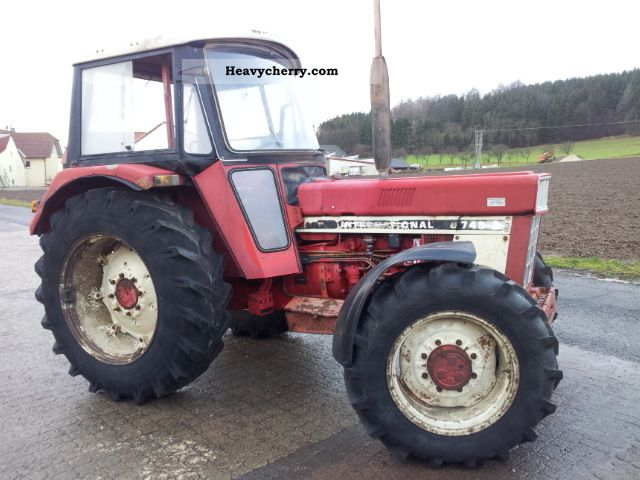 1983 Case  745 Agricultural vehicle Tractor photo