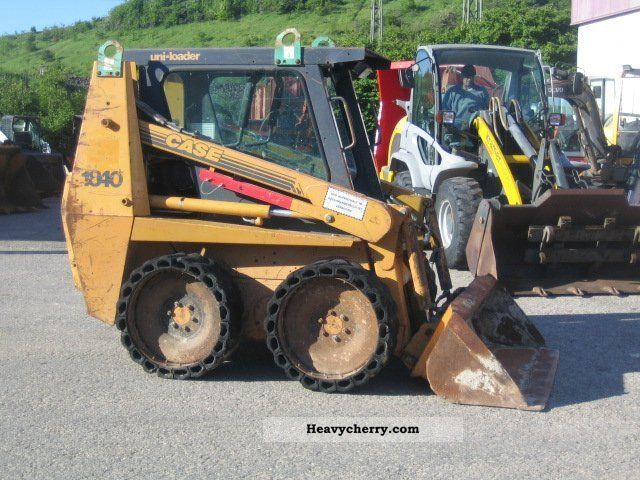 1997 Case  1840 Construction machine Mini/Kompact-digger photo