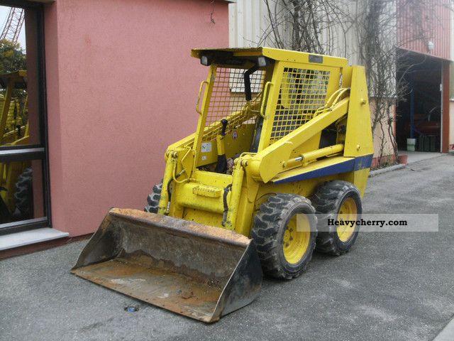 2001 Case  1840 Construction machine Wheeled loader photo