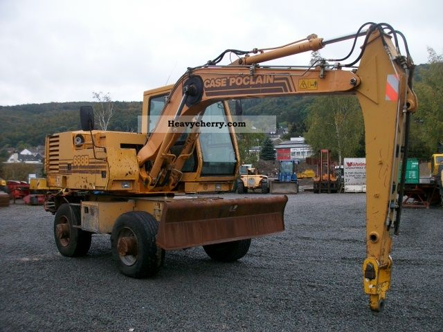 Case 688 B 1994 Mobile Digger Construction Equipment Photo