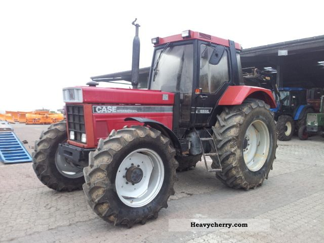 1986 Case  1255 XLA Agricultural vehicle Tractor photo