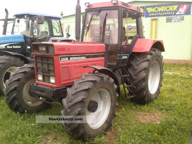 1986 Case  1255 XL Agricultural vehicle Tractor photo